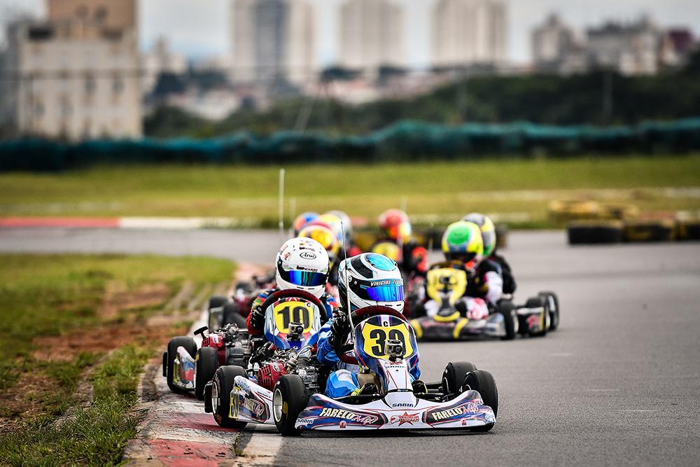 Vinícius Tessaro foi 2º na abertura do Light e está em Palm Beach para mais uma etapa do FWT