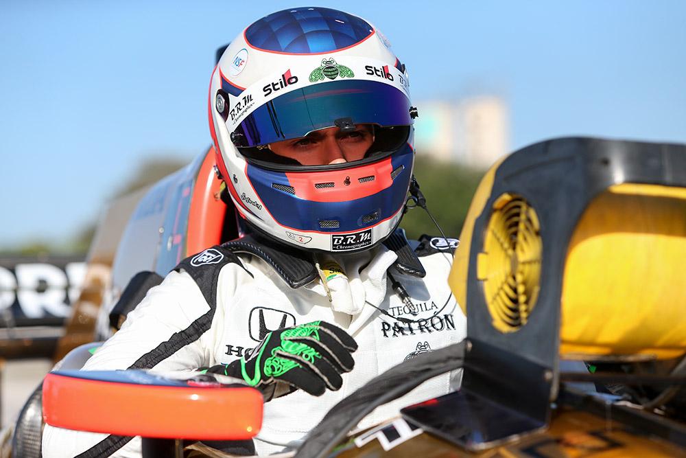 Pipo Derani completa com sucesso seu primeiro teste na Indy