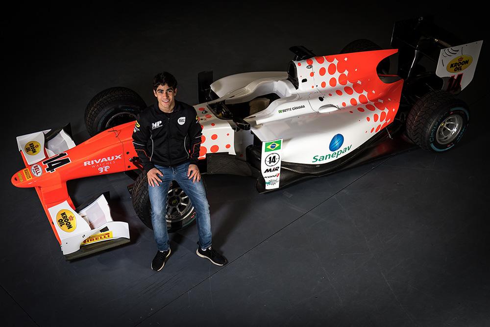 Sérgio Sette apresenta o carro que vai correr a F2
