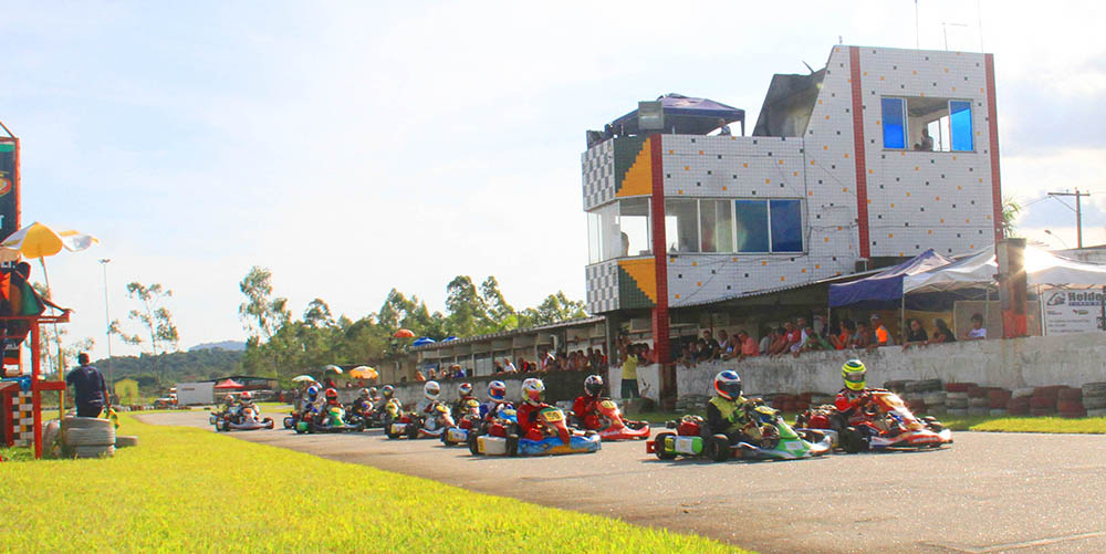 Carioca de Kart começa neste domingo 19/03 em Guapimirim