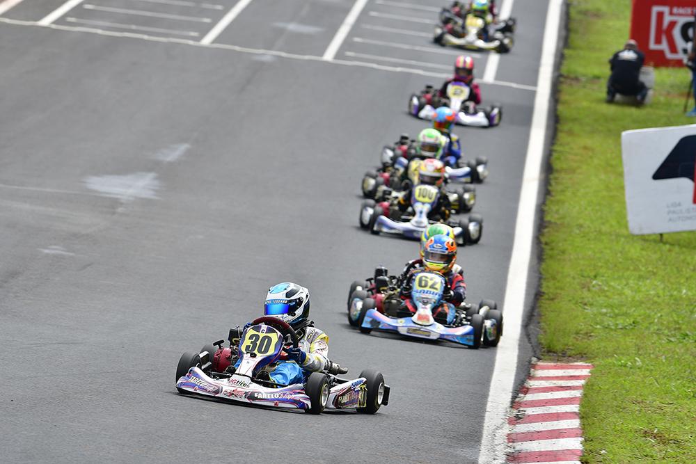 Final de semana de Vinícius Tessaro na Granja Viana teve novas vitórias em duas categorias