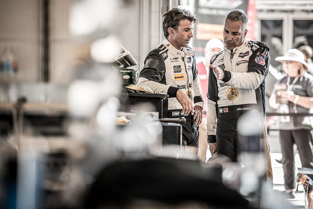 Fittipaldi e Barbosa largam da segunda fila em Austin