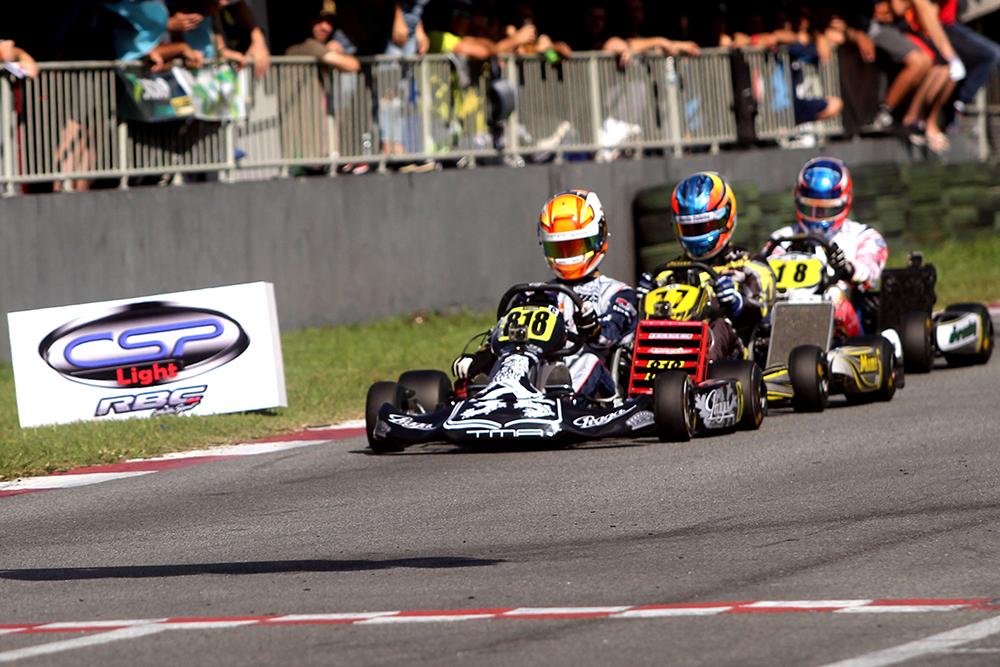 Arthur Leist marcou pole position e subiu no pódio em sua estreia com os chassis Praga