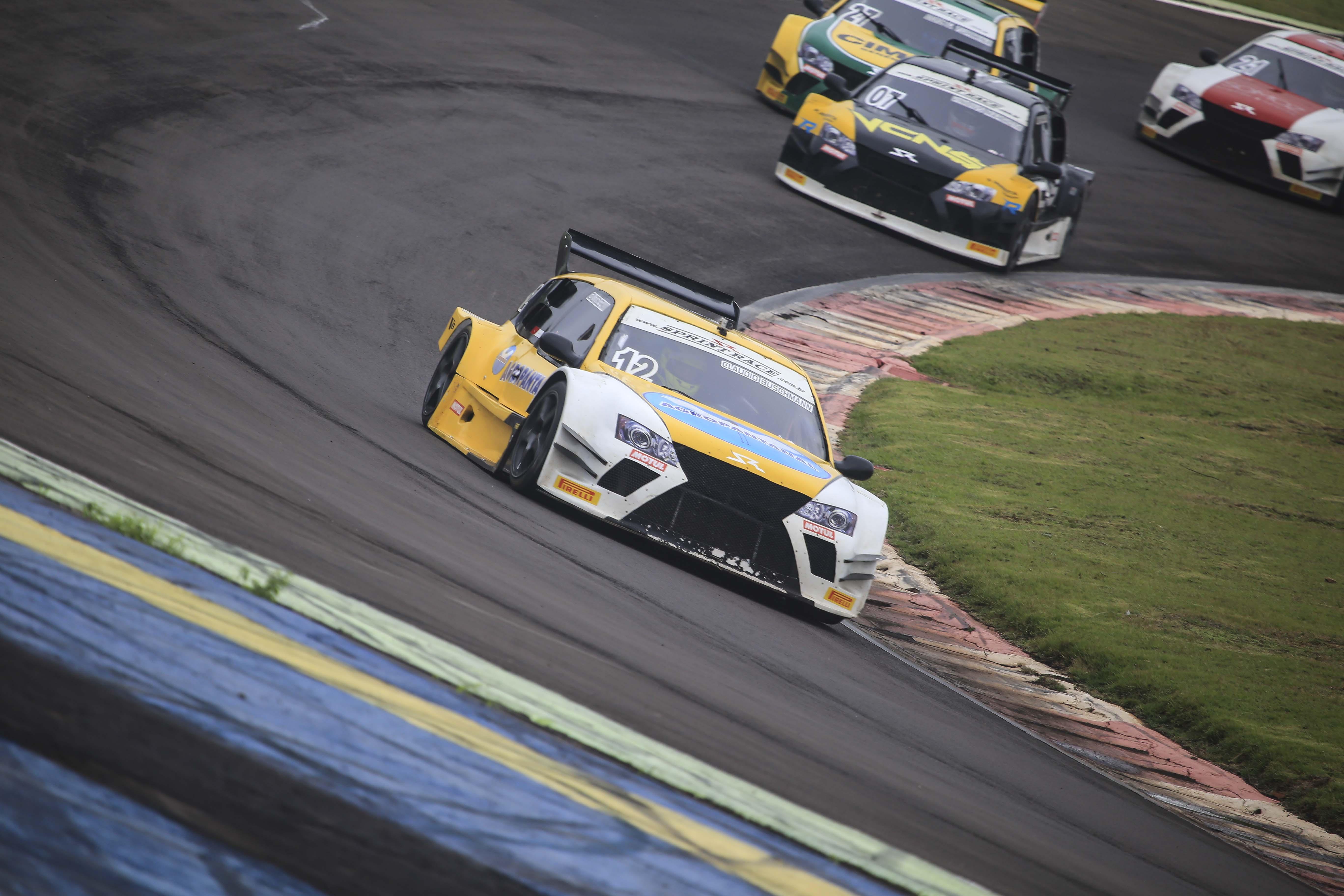 Claudio Buschmann conquista a liderança da GP