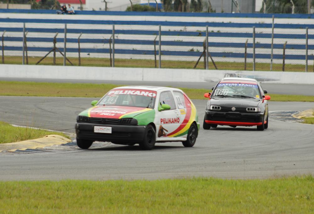 Equipe Lupatini Motorsport fez boas corridas no AIC