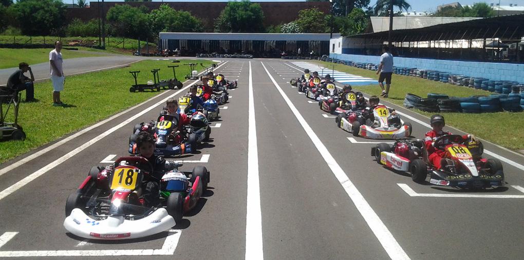 Paranaense Light de Kart volta a agitar Londrina