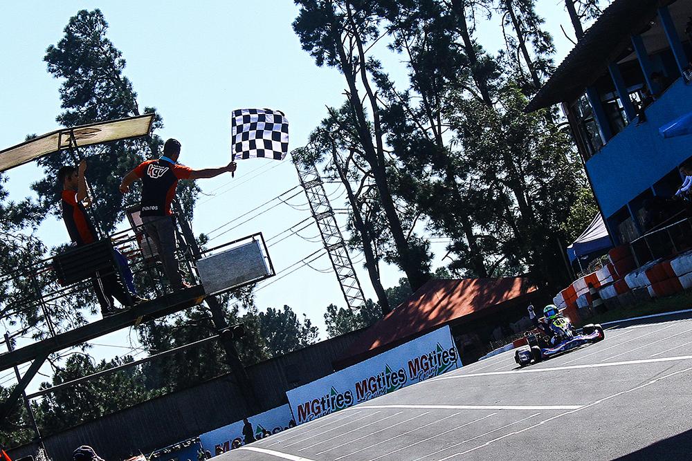 Rafael Câmara conquista pole, vence as três baterias e domina 5ª etapa da Copa SP de Kart KGV