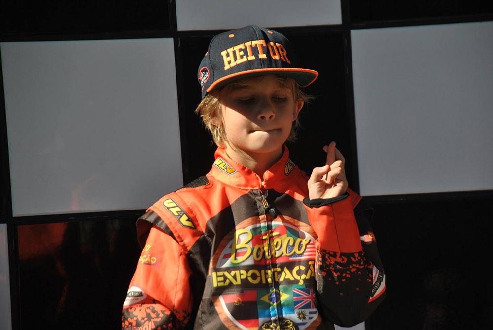 Kart: Heitor Dall'Agnol venceu pela quinta vez consecutiva no Light e lidera na Mirim