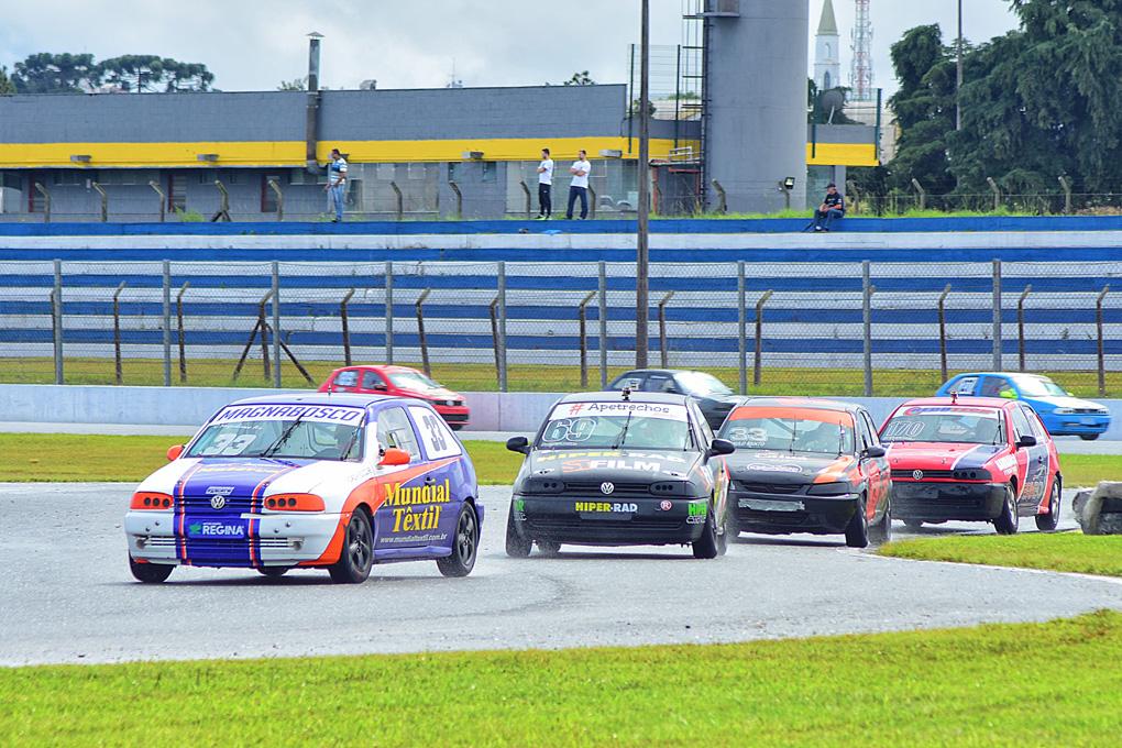 Paranaense de Velocidade tem etapa decisivas em Londrina