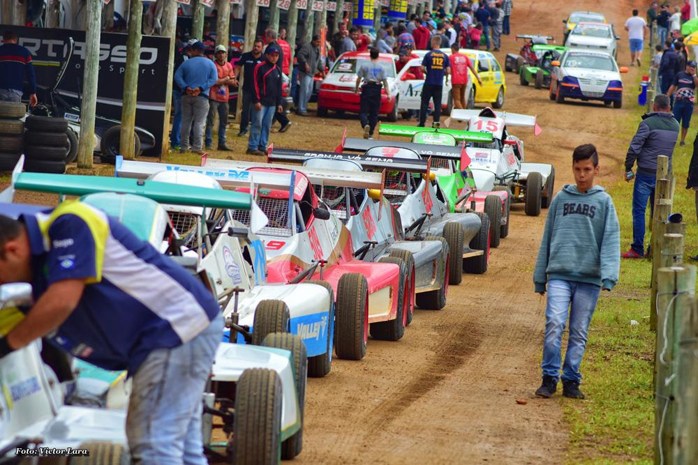 O Campeonato Brasileiro de Velocidade na Terra desvenda o traçado do Paraíso de Lontras