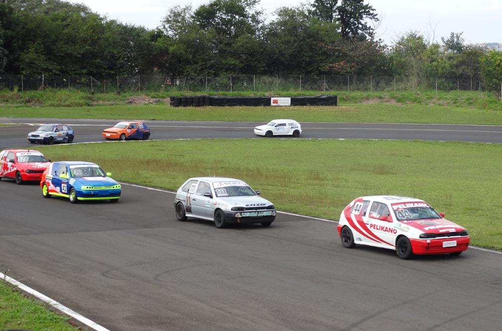 Metropolitano de Curitiba: Lupatini Motorsport fez boas corridas em Londrina