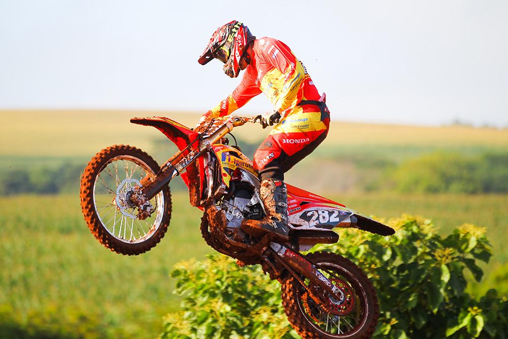 Santa Catarina recebe as feras do Campeonato Brasileiro de Motocross