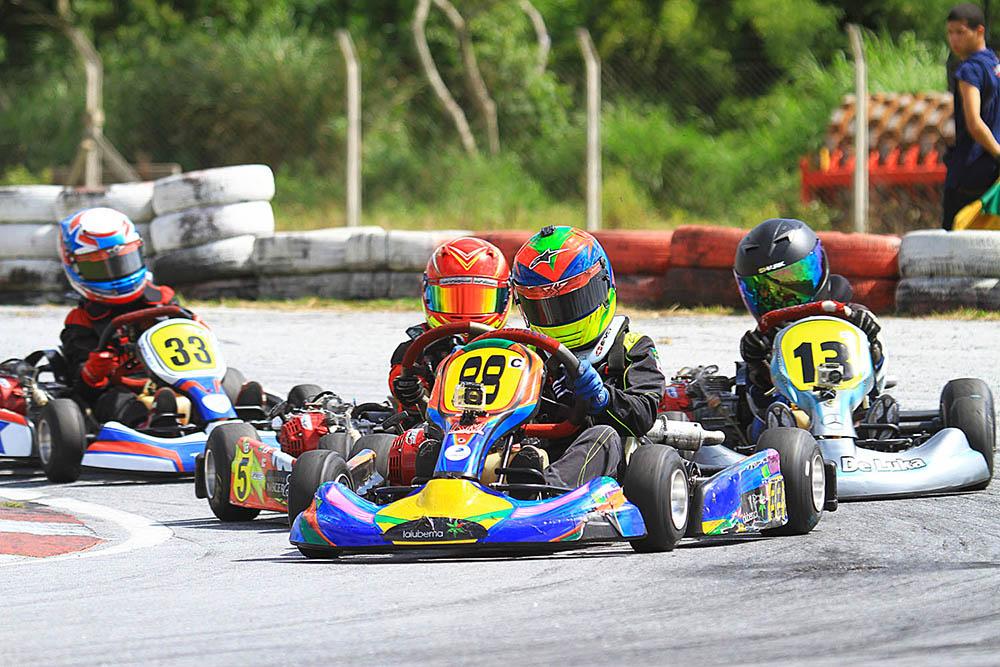 Luca Neuenschwander volta à pista para a Taça Minas de Kart