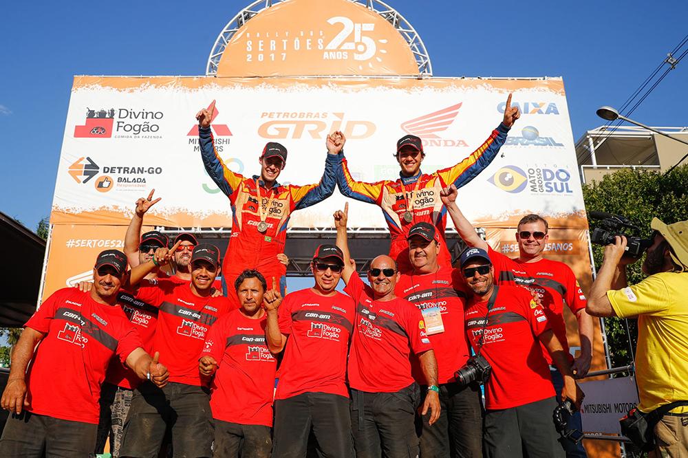 Bruno Varela e João Arena são Campeões do Rally dos Sertões entre os UTV