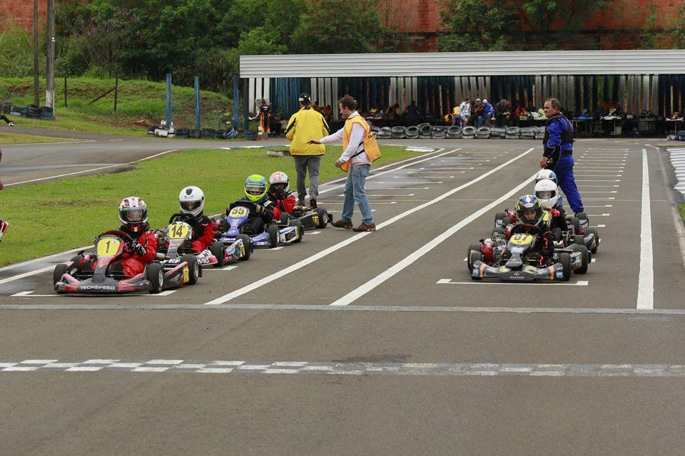 Londrina realiza sábado a penúltima etapa do Paranaense de Light de Kart