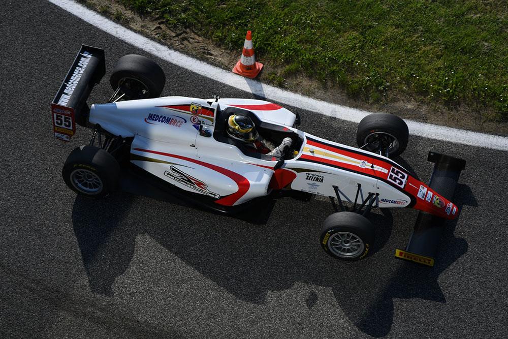 Em Ímola, Felipe Branquinho voltou ao pódio na F4 Italiana
