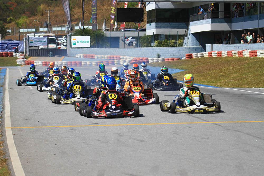 Taça Minas de Kart retoma calendário neste sábado