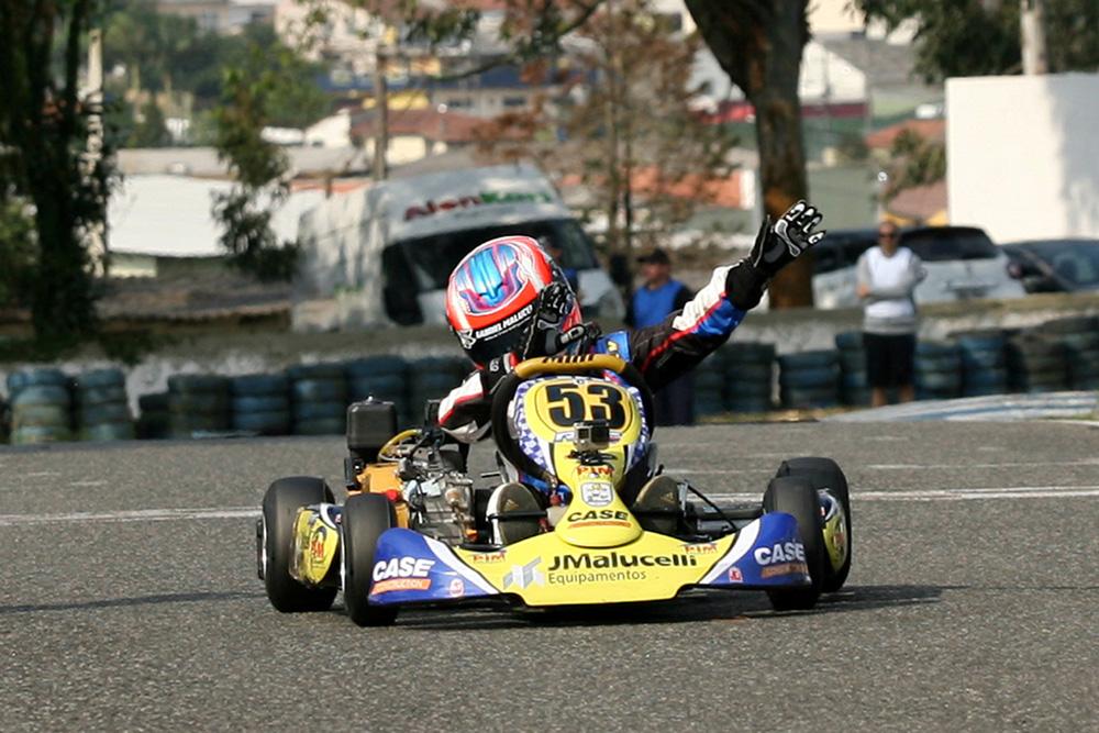 Metropolitano de Curitiba mostra novas feras do kartismo paranaense