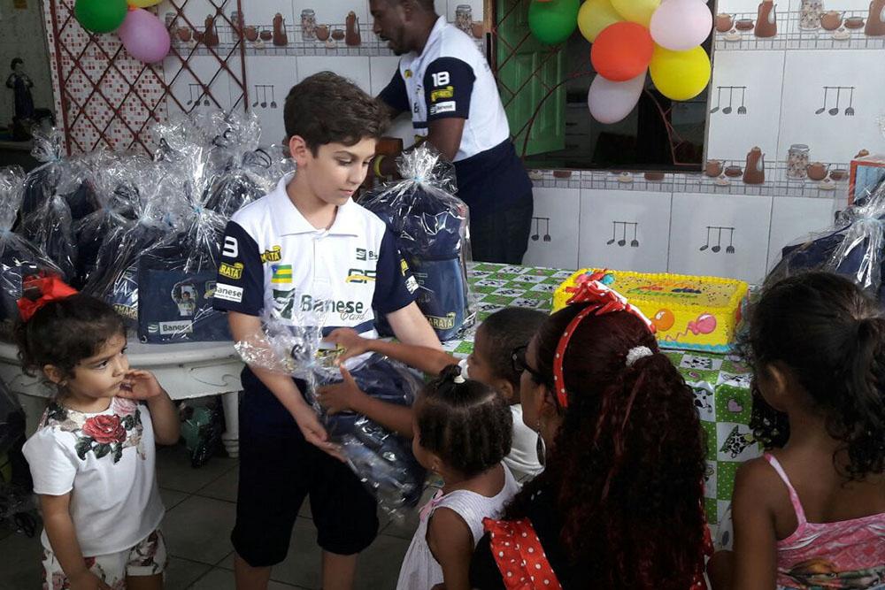 Gui Figueiredo levou alegria para crianças carentes de Aracajú