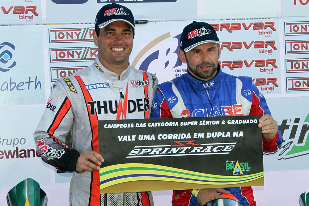 Pilotos da Copa Brasil de Kart recebem prêmio para competir na Sprint Race